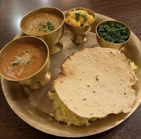 ネパールの朝食